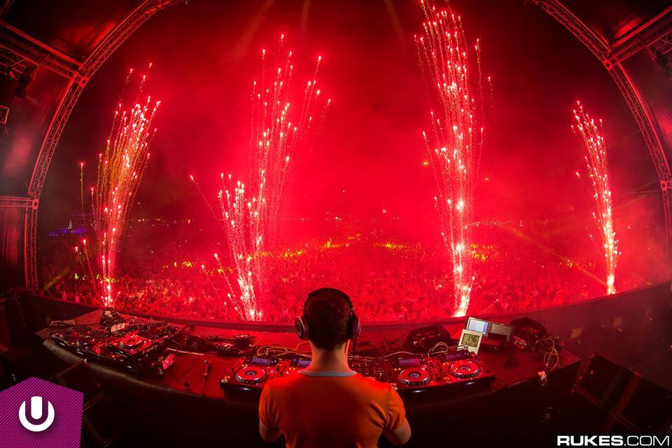 Avolites Tiger Touch controls dazzling pyrotechnics at Ultra Festival SA