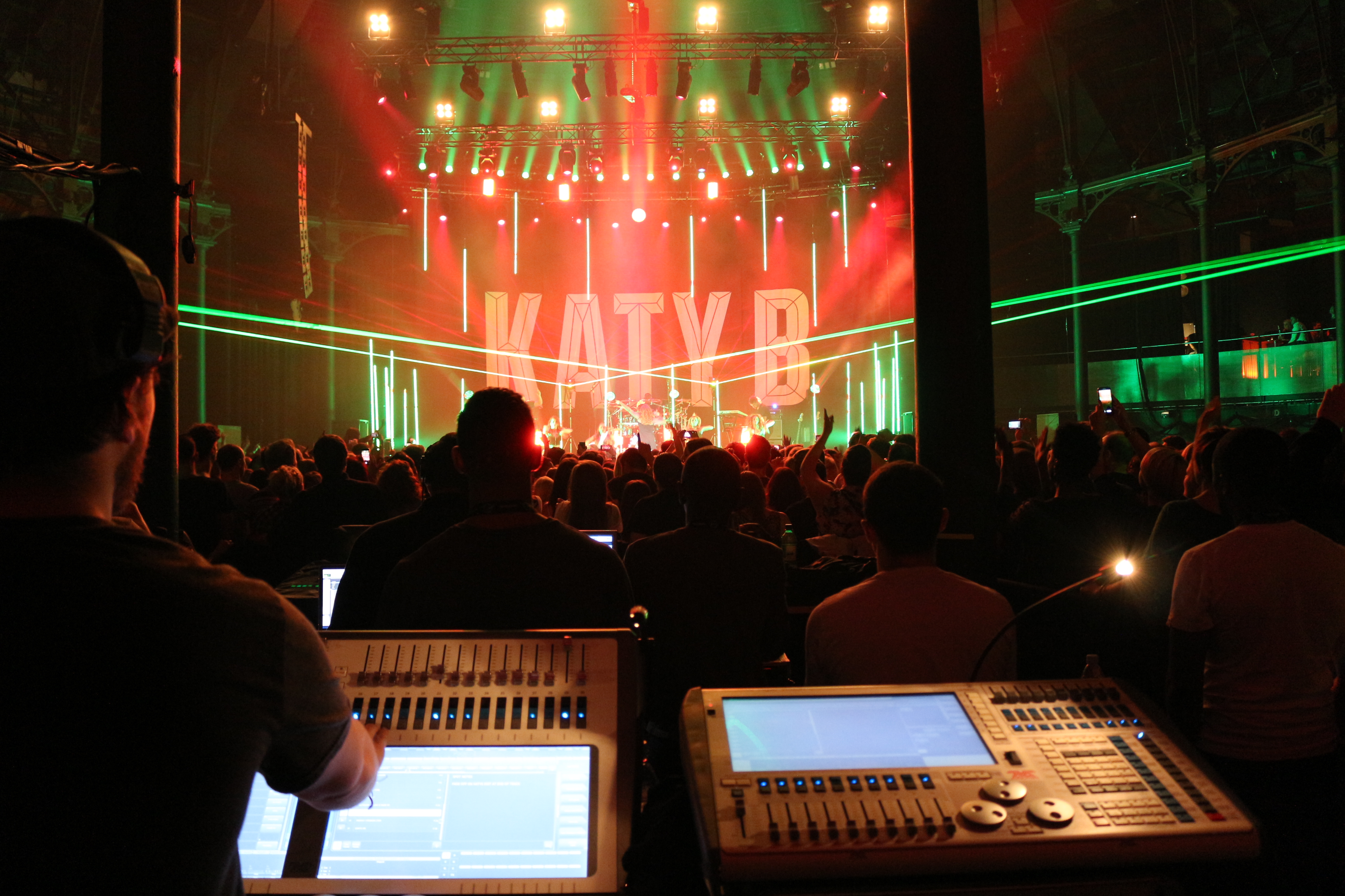 Avolites Sapphire Touch controls nightclub vibe for Katy B