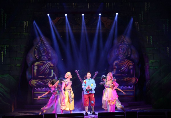 Avolites rubs the Magic Lamp at Blackpool Grand Theatre
