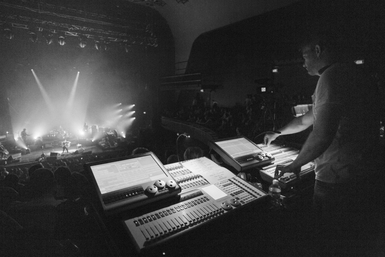 Avolites Expert Pro controls a big, bold show for Ben Howard