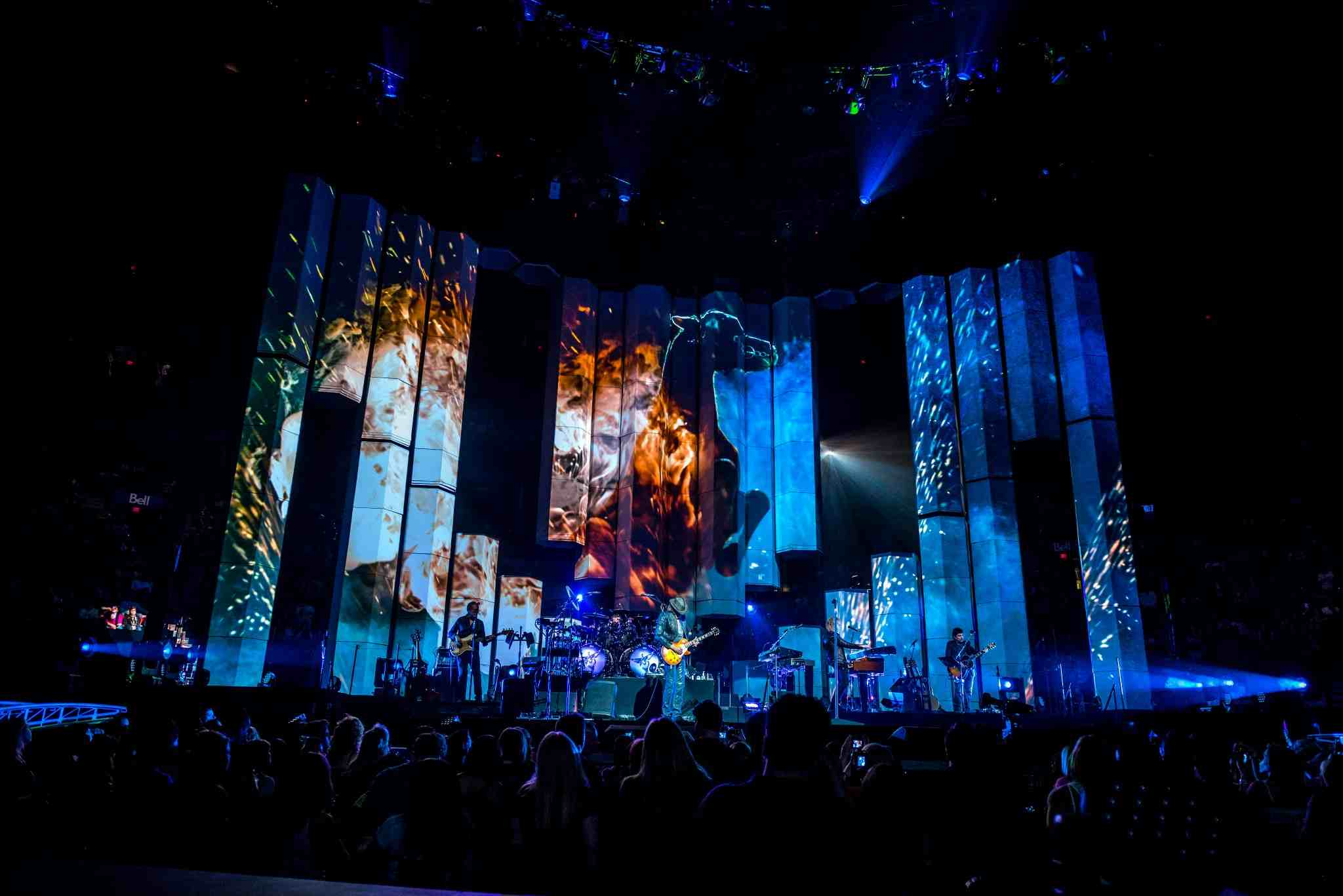 Ai Infinity 8 Servers from Avolites Media on Bon Jovi's 'Because We Can' Tour