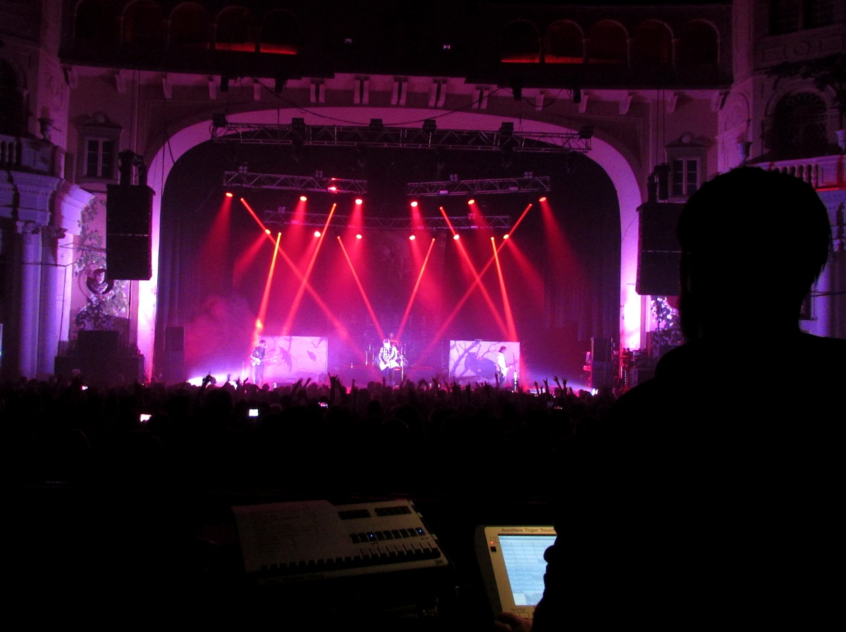 Avolites provides the punch for Fightstar's 10th anniversary tour