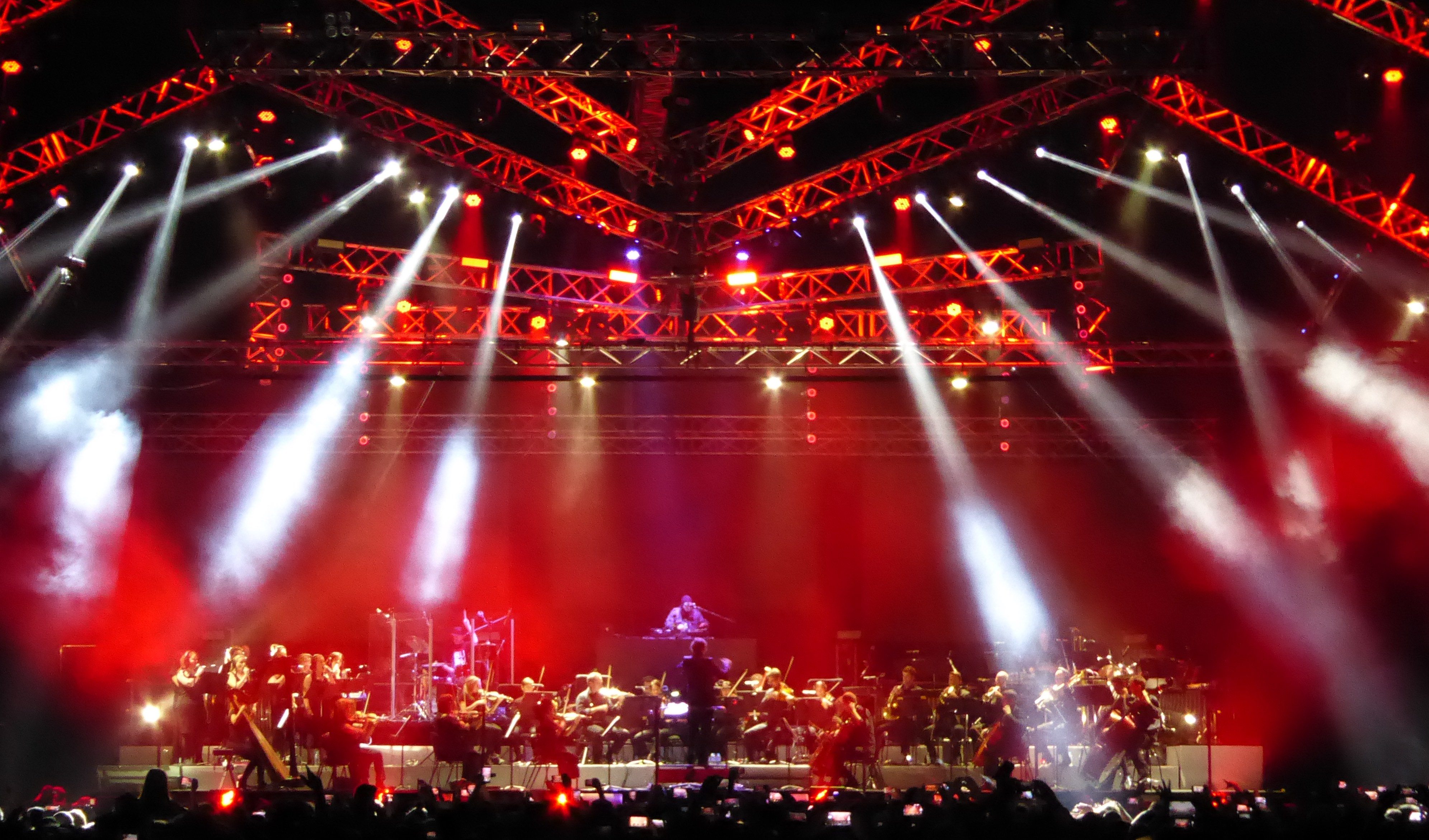 Wu-Tang Clan and De La Soul Lighting Designer Chooses Avolites for Landmark Australian Orchestral Hip-Hop Tour