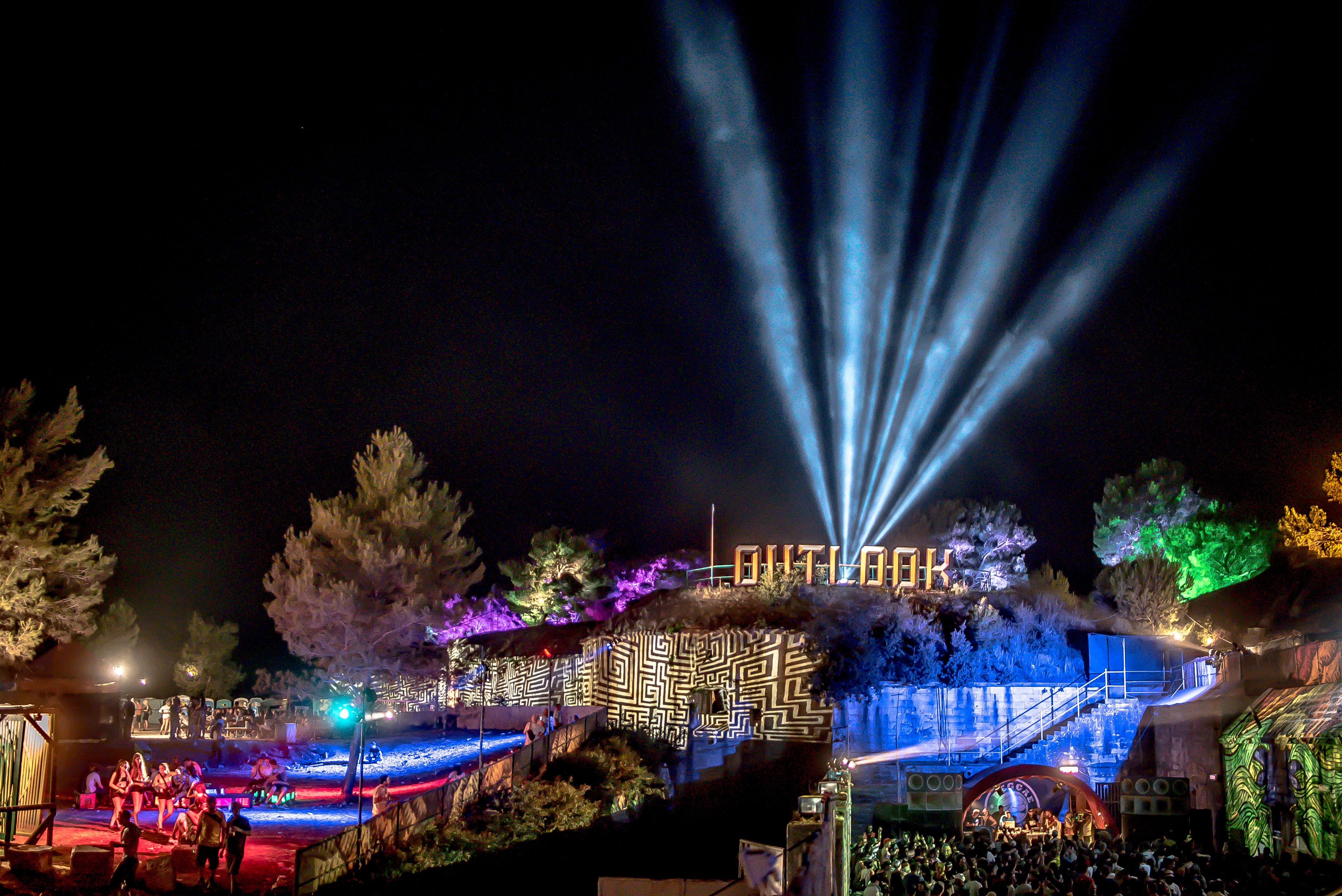 Avolites powers headline lighting and video at Outlook and Dimensions