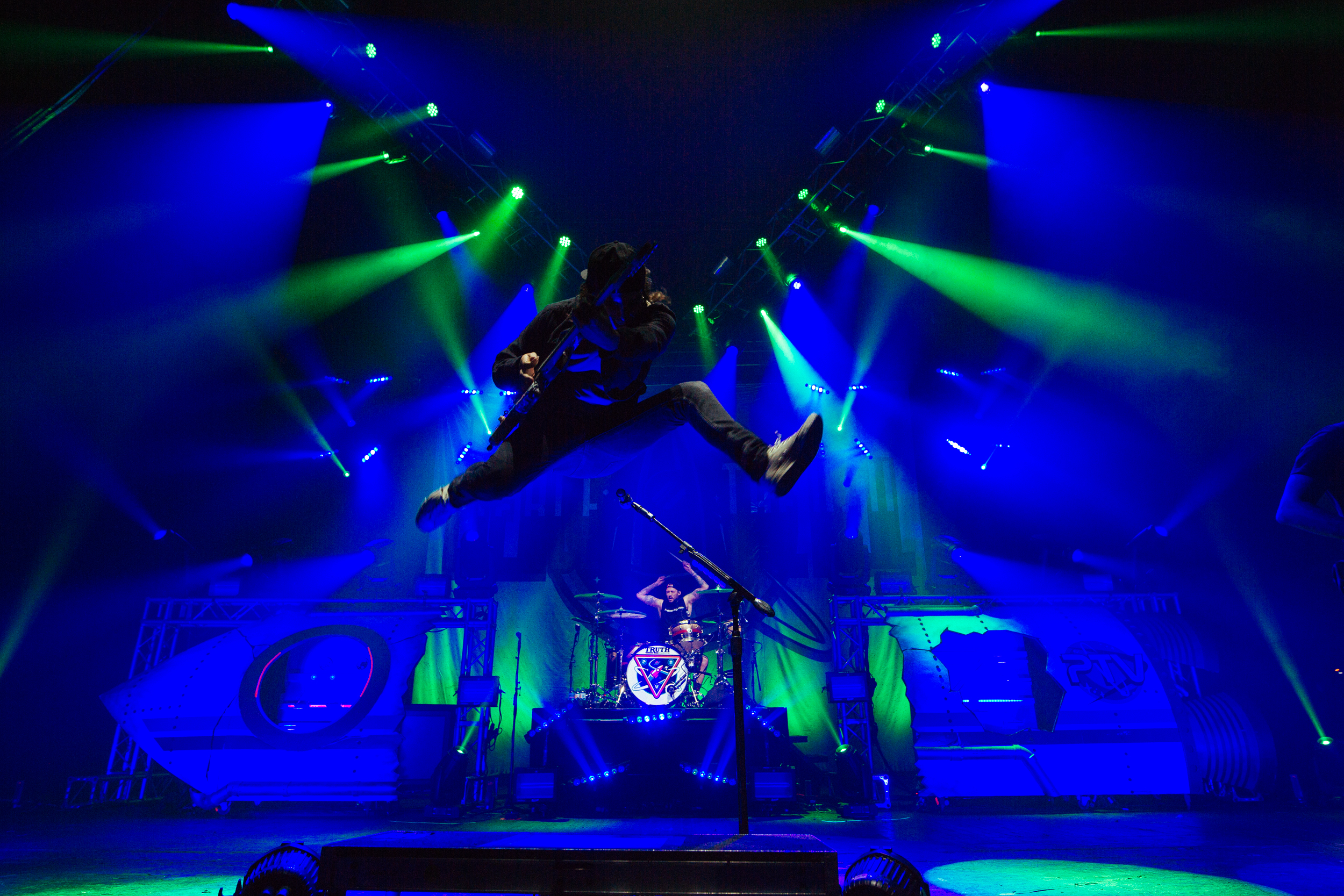Avolites powers astronomical lighting for Pierce the Veil