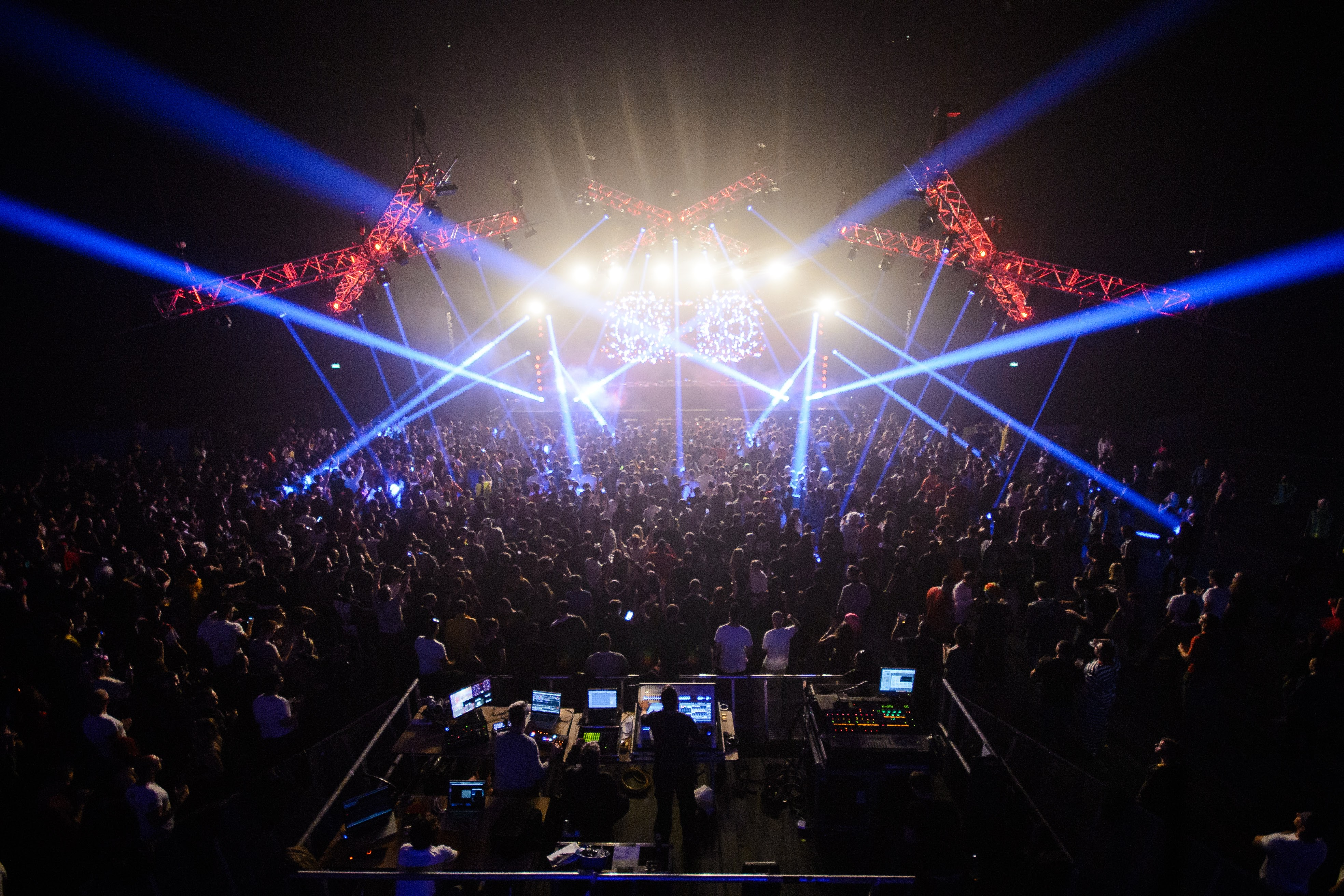 Avolites brings the rave back for Winterparty '16
